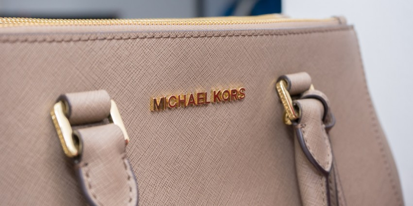 9c9f58b00d09d Fake-Spotting - So erkennst Du eine Original Michael Kors Jet Set