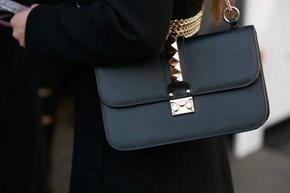 So erkennst Du eine Original Valentino Rockstud Tasche